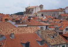Tak för röda tegelplattor i gammal stad av Dubrovnik Fotografering för Bildbyråer