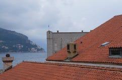 Tak för röda tegelplattor i gammal stad av Dubrovnik Arkivbild