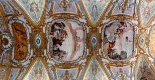 Tak Gesuiti kyrka - Santa Maria Assunta, Venedig, Italien Royaltyfri Fotografi
