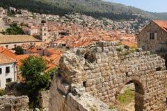 Tak i den gamla staden dubrovnik croatia Arkivbild