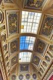 Tak i den stora italienska takfönstret Hall av det statliga eremitboningmuseet petersburg saint Ryssland royaltyfria bilder