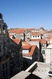 Tak i den Walled staden av Dubrovnic i Kroatien Europa Dubrovnik ge någon ett smeknamn `-pärlan av Adriatiska havet Royaltyfria Foton