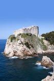 Tak i den Walled staden av Dubrovnic i Kroatien Europa Dubrovnik ge någon ett smeknamn `-pärlan av Adriatiska havet Royaltyfri Fotografi