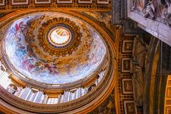 Tak inom av St Peters Church Royaltyfria Bilder