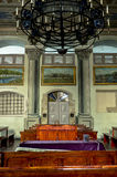 Tak inom synagogan arkivfoton