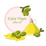 Tak met olijven en een fles olijfolie Royalty-vrije Stock Afbeelding
