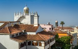 Tak och gamla torn av La Orotava, Tenerife Arkivfoto