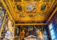Tak Sala del Collegio Doge & x27; s-slott Venedig Italien Fotografering för Bildbyråer