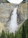 Takakkaw-Fall bei Yoho National Park Stockbilder