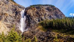 Takakkawdalingen van Yoho National Park in de Canadese Rotsachtige Bergen Stock Afbeeldingen