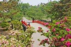 Takaoka-bashi bro av den Hirosaki slotten, Hirosaki stad, Japan Arkivfoto