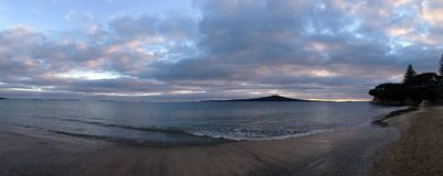 Takapuna strandpanorama Royaltyfri Bild