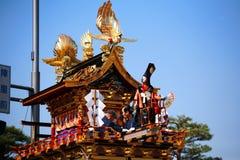 Takayama节日: 在庄严浮动的木偶 免版税库存照片