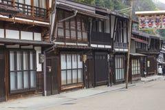 TAKAYAMA JAPAN - MAJ 03: Oidentifierat folk på Sannomachi Stre Royaltyfria Foton