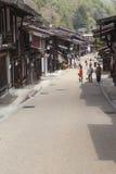 TAKAYAMA, JAPAN - MEI 03: Niet geïdentificeerde mensen in Sannomachi Stre Stock Foto