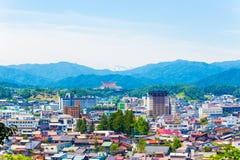 Takayama-Stadt-Landschaft Schnee-mit einer Kappe bedeckter Berg H Lizenzfreies Stockfoto