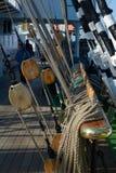 Takelung eines Segelschiffs Stockfotos