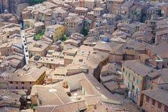 Taken av de medeltida byggnaderna Fotografering för Bildbyråer
