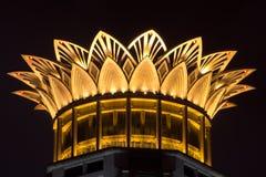 Taket av bundmittbyggnaden på natt, Shanghai Fotografering för Bildbyråer