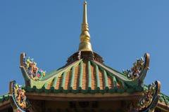 Taket av den gamla kinesiska templet Arkivbilder