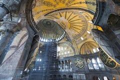 Taket av Hagia Sophia kallade också Helgedom Vishet, helgedomar Sophia, helgedomar Sapientia eller Ayasofya i Istanbul, Turkiet royaltyfri bild