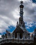 Taket av huset i güengelsk aln parkerar, barcelona, Spanien arkivfoton