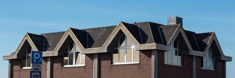 Taket av huset med det trevliga fönstret! Royaltyfri Bild