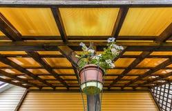 Taket av verandan av polycarbonaten Arkivfoton