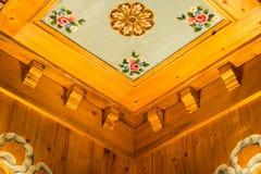 taket målade trä Arkivfoto