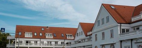 Taket med det trevliga fönstret Arkivbild