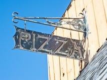 takeway gata för tecken för annonspizzarestaurang Fotografering för Bildbyråer