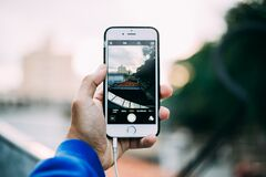 Taking a mobile photo Royalty Free Stock Photography