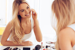 Free Taking Off Her Make-up. Royalty Free Stock Photos - 67595638