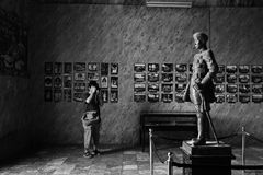Taking photo of the King's statue Royalty Free Stock Images
