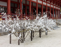 Takjes met document linten bij het heiligdom van Heian Jingu in Kyoto, Japan Stock Foto's