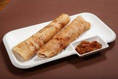 Takkali-Chutney Dosa, Dosa mit Tomaten-Chutney, Reis-Pfannkuchen mit Tomatensalsa lizenzfreies stockbild