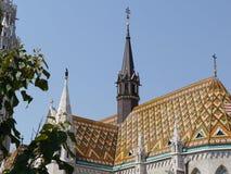 Taklägga detaljen av Matthias Church, Budapest, Ungern Arkivfoton