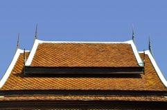 Taklägga kyrkliga Buddha strukturerar Arkivbild