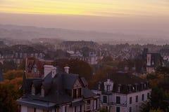 Taklägga villan i Deauville, Normandie, Frankrike Fotografering för Bildbyråer