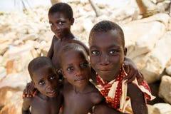 TAKORADI, GANA ï ¿ ½ o 22 de março: Meninos africanos não identificados do nativ imagem de stock royalty free