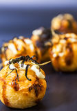 Takoyaki, японская еда популярно как с японцем, так и с Thais стоковые фото