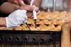 Takoyaki es snacks japoneses m?s famosos fotografía de archivo libre de regalías