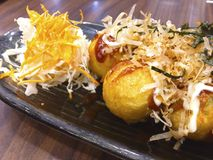 Takoyaki ist japanischer Krakensnackball lizenzfreies stockfoto