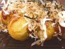 Takoyaki ist japanischer Krakensnackball lizenzfreie stockfotografie