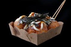 Takoyaki ou bola japonesa do polvo foto de stock royalty free