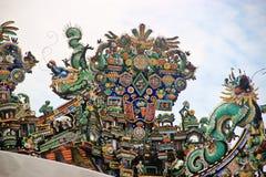 Takprydnader av en tempel Royaltyfri Fotografi