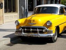 taksówki rocznika kolor żółty zdjęcia stock