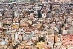 Taksikt av arkitekturen i Alicante Arkivbild