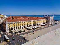 Taksikt av kommersfyrkanten, Lissabon arkivfoton