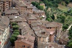 Taksikt av Siena, från det Mangia tornet Siena Itally Arkivfoton